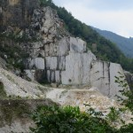 Carrara Marmor Steinbruch Bloecke