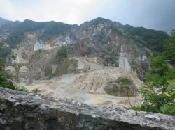 Carrara Steinbruch Entfernung