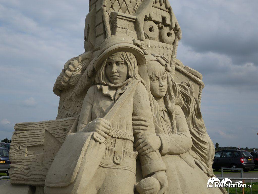 Hänsel Gretel Sandskulptur Winschoten