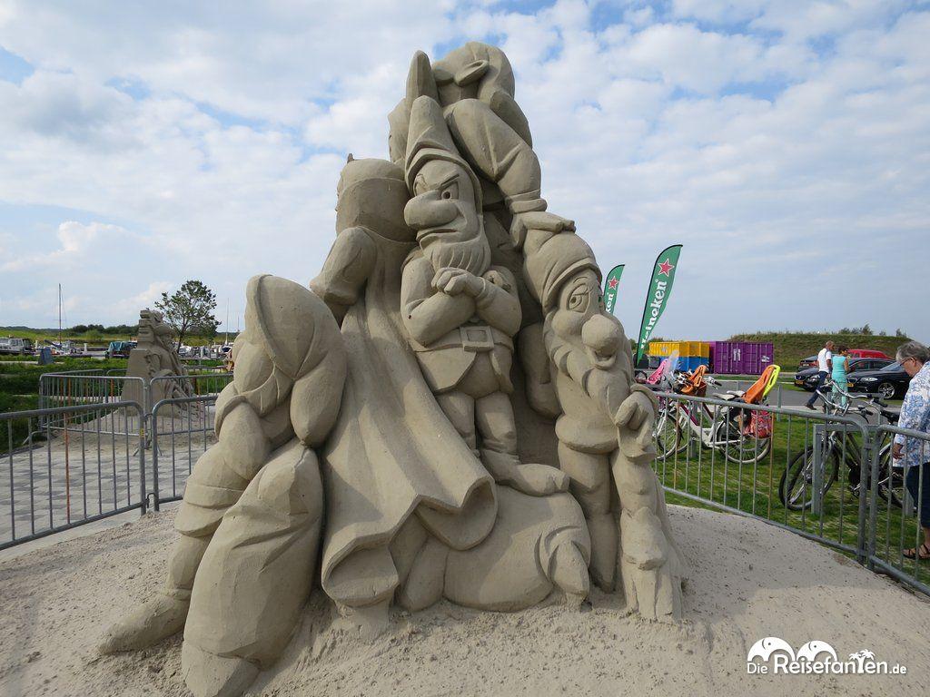 Schneewittchen Sandskulptur Winschoten
