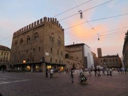 Der Marktplatz von Bologna