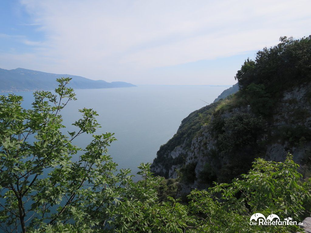 Bei klarer Sicht lässt sich hier fast das südliche Ende des Gardasees erblicken