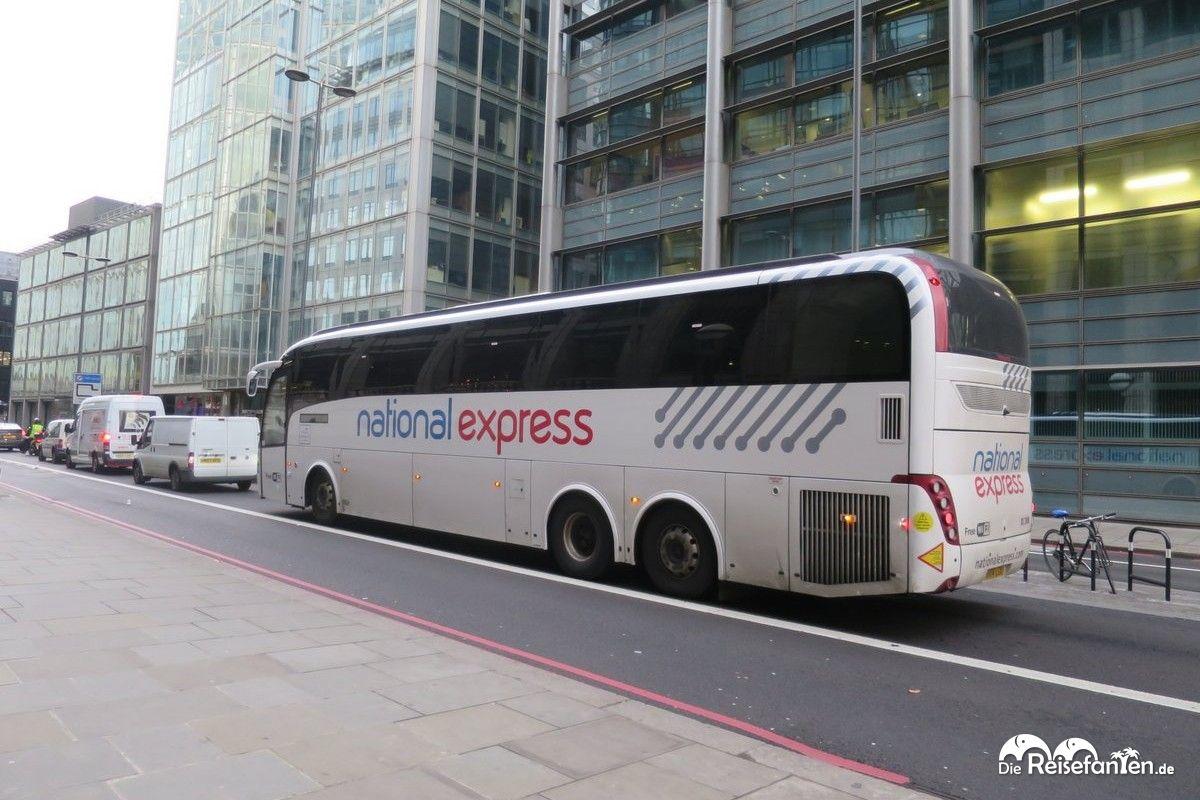 Der NationalExpress Bus brachte uns vom Flughafen Stansted zur Liverpool Station