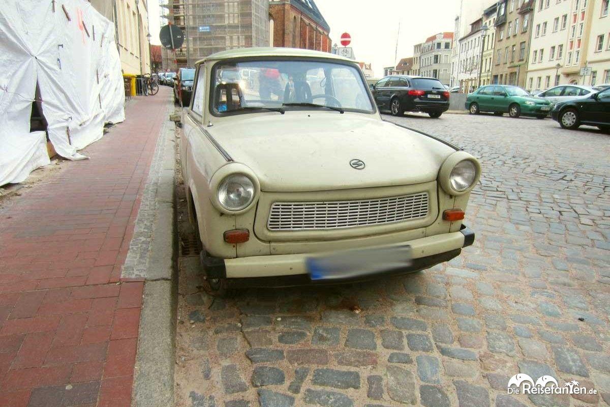 Auch ein alter Trabbi durfte in Rostock natürlich nicht fehlen