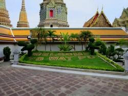 Gartenanlage im Wat Pho.jpg