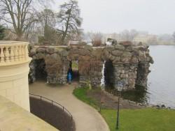 Der schön angelegte Burggarten des Schweriner Schlosses
