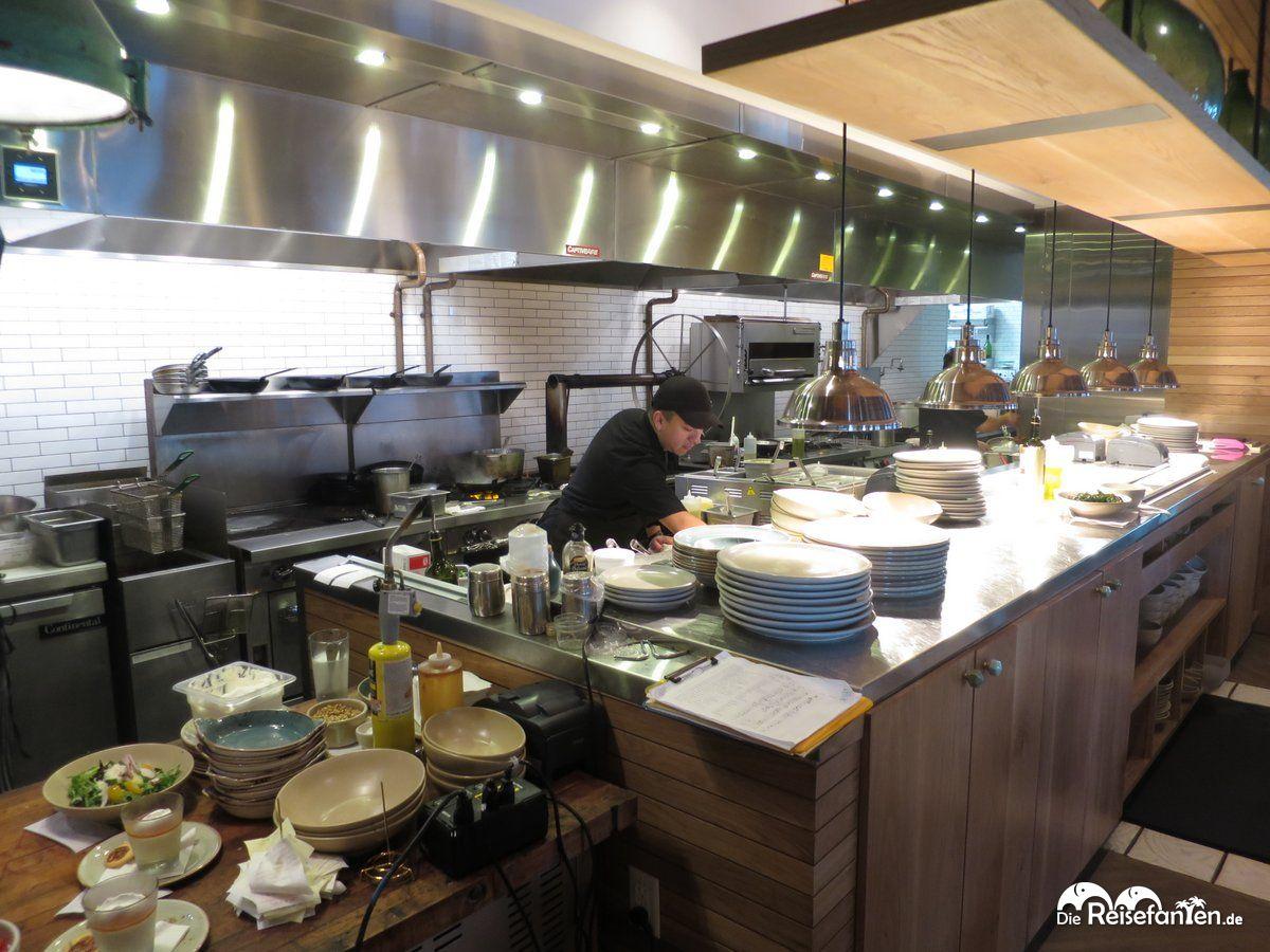 blick in die offene k che des restaurants ava in tampa On die küche restaurant