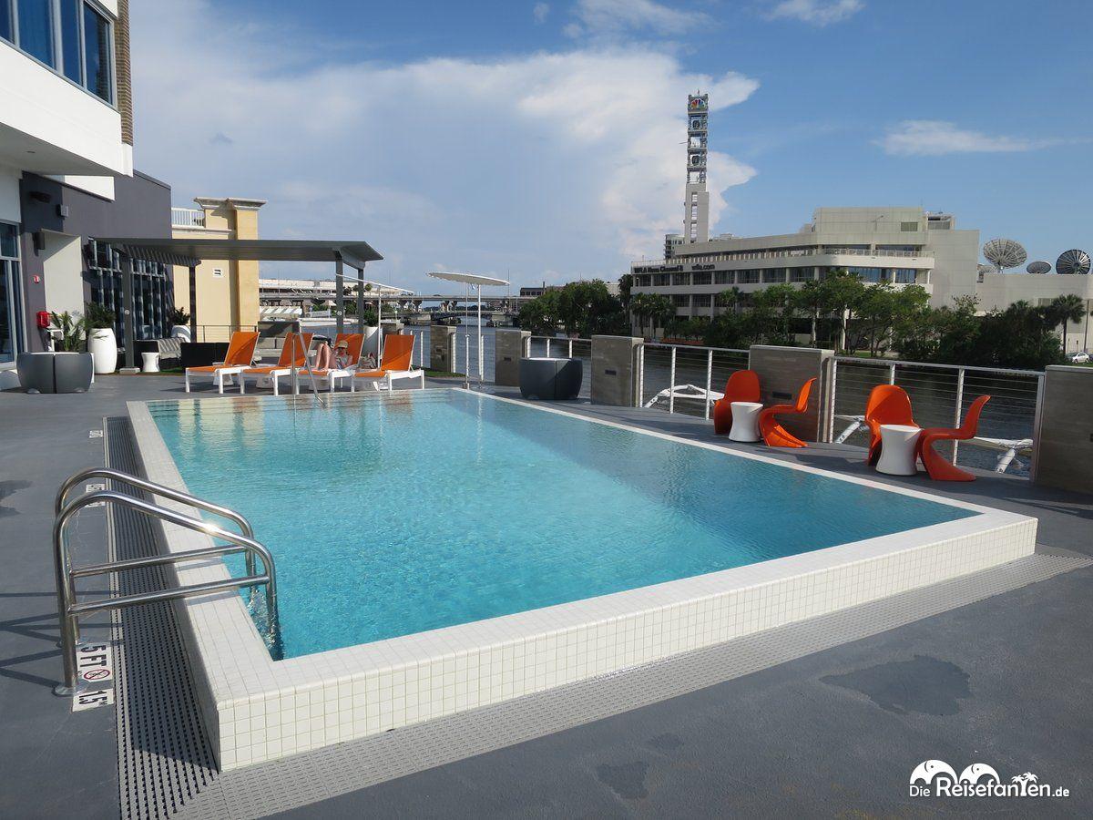 Ein schöner Pool gehört im Aloft Hotel in Tampa ebenfalls dazu