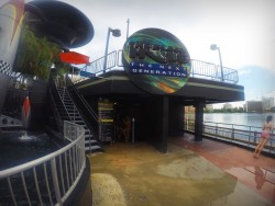 Eingang zur Black Hole Rutsche im Wet'nWild in Orlando