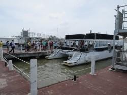 Die Tenderboote füllen sich wieder bei der Rückkehr