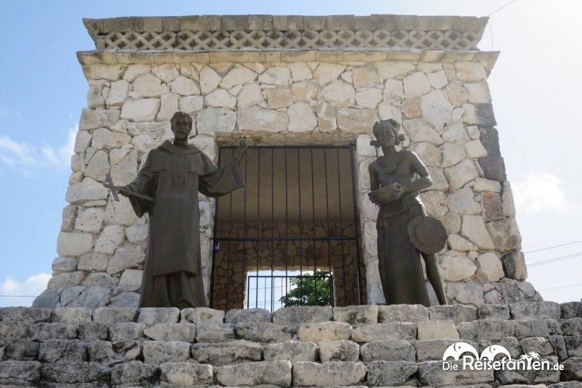 Auch diese Pyramide gehört zur Gedenkstätte auf Cozumel