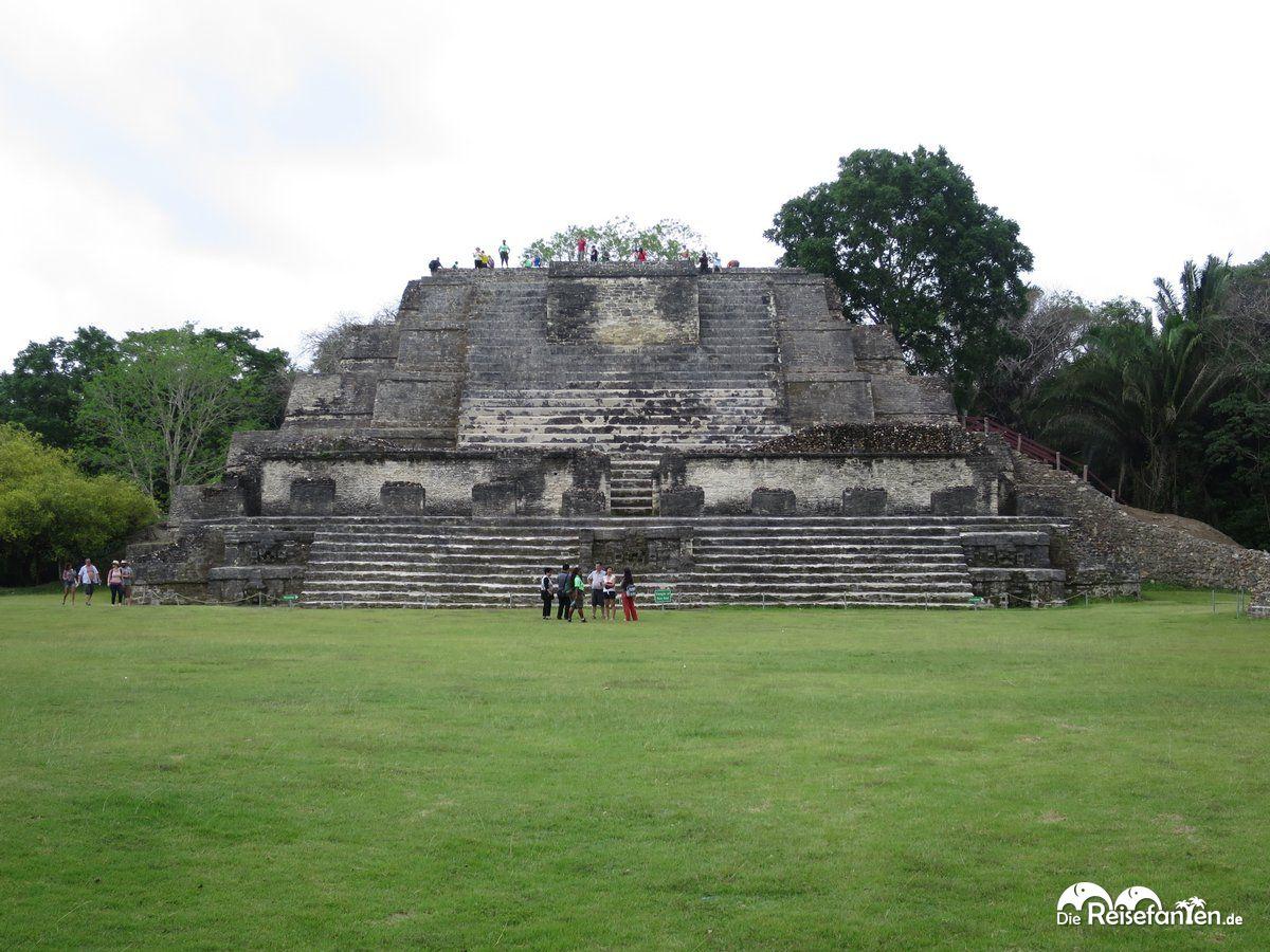 Die hohe Pyramide von Altun Ha