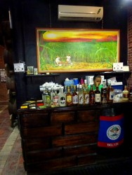 Rum Verkostung bei Travellers Liquors in Belize City