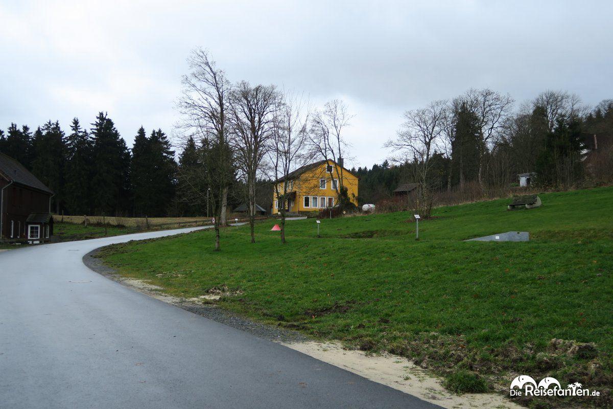 Im gelben Haus des Wald- und Sporthotels Festenburg waren wir die erste Nacht untergebracht