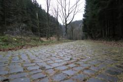Die Straße zur Staumauer der Okertalsperre