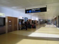 Mietwagenübernahme am Flughafen in Girona
