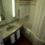Badezimmer im Hotel Ilunion Valencia