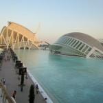 Blick auf das L'Hemisfèric in der Stadt der Künste und der Wissenschaften  in Valencia