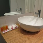 Badezimmer im Hotel Petit Palace Tres Cruces in Madrid