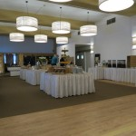 Der großzügige Frühstücksbereich im Upstalsboom Landhotel Friesland