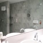 Viel Platz und Spiegel im Upstalsboom Landhotel Friesland