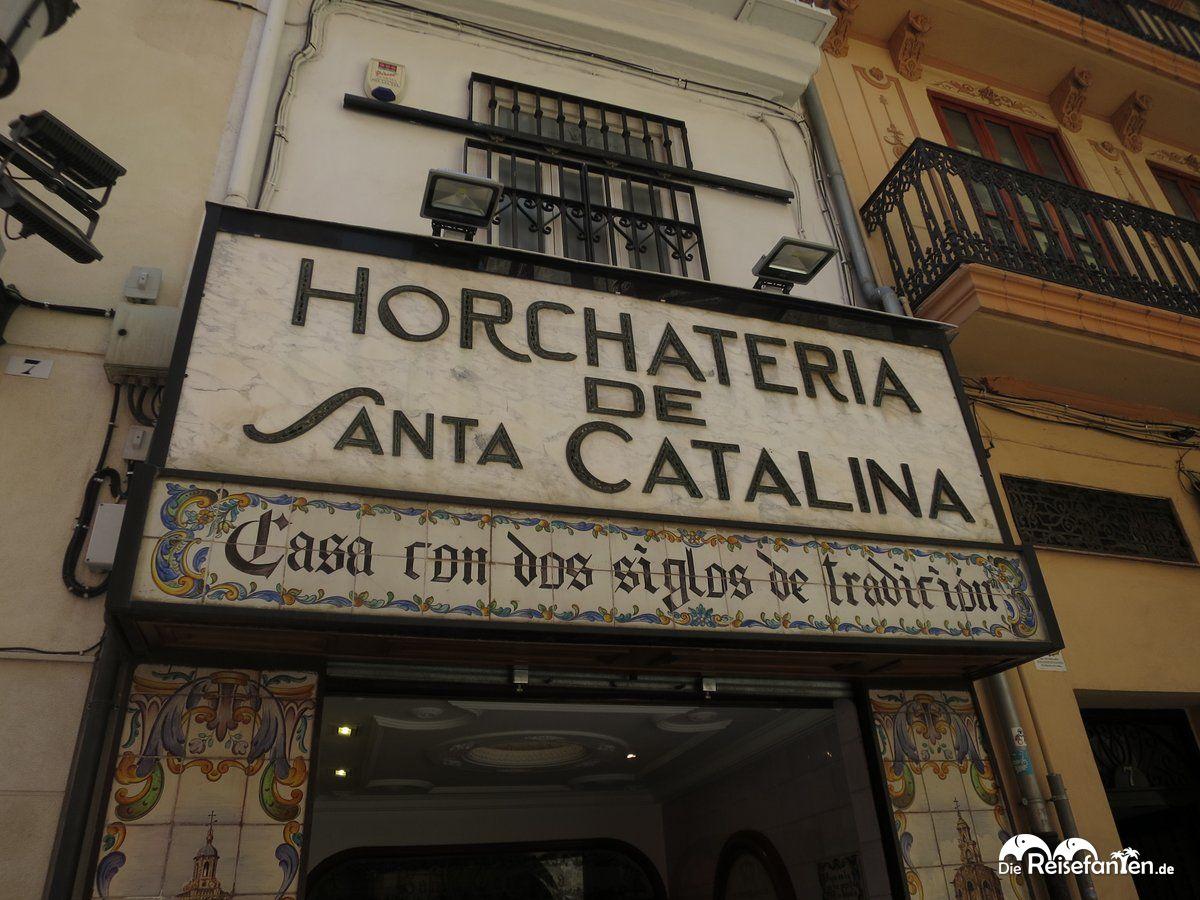 Vor der Horchateria de Santa Catalina in Valencia