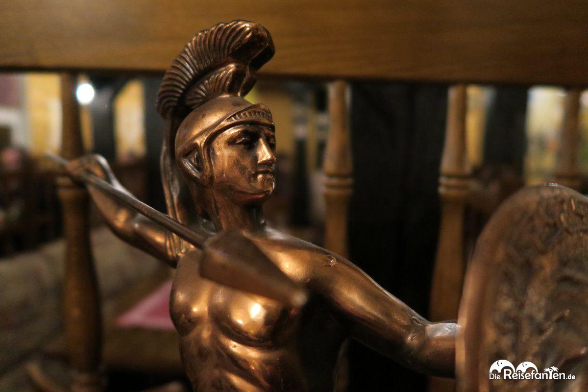 Figur des Leonidas von Sparta im Restaurant Dionysos in Varel