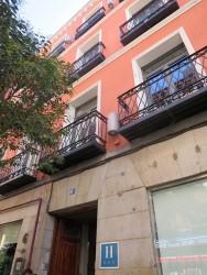Hotel Petit Palace Tres Cruces in Madrid von außen