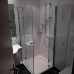 Das Badezimmer im Hotel Maifeld