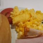 Herzhaftes Frühstück im Hotel Maifeld