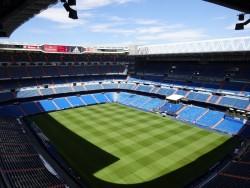 Blick auf den Innenraum im Stadion Santiago Bernabeau in Madrid