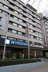 Das Hotel Wyndham Excelsior in Berlin von außen