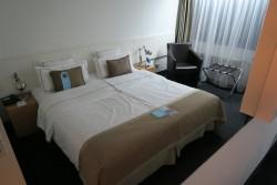 Recht kleine Doppelzimmer im Hotel Wyndham Excelsior in Berlin