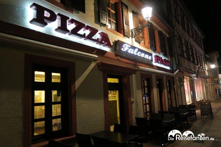 Die Pizzeria Falcone in Neustadt an der Weinstraße von außen