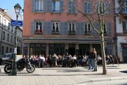 Außenterrasse des La Nouvelle Poste in Straßburg