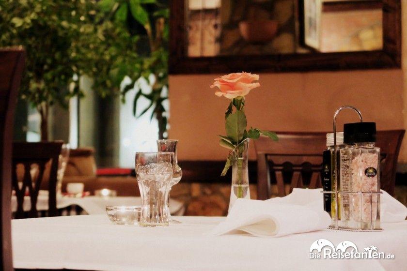 Ein leerer Tisch in der Osteria Caruso in Berlin