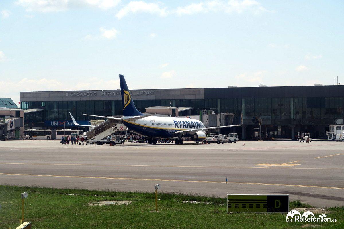 Der Flughafen Mailand-Bergamo vom Rollfeld aus gesehen