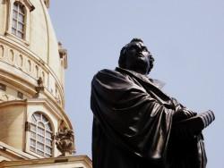 Martin Luther vor der Dresdner Frauenkirche