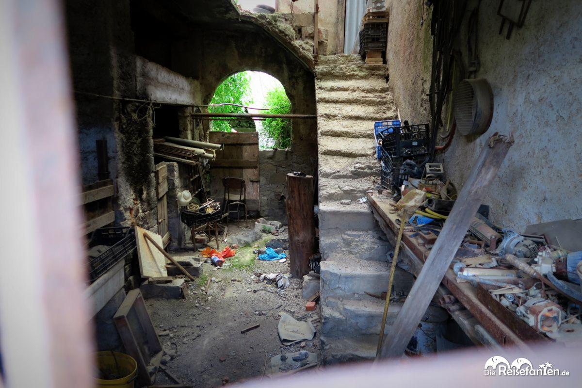Das Innere mancher Häuser in Gairo Vecchio lässt noch eine Nutzung ...