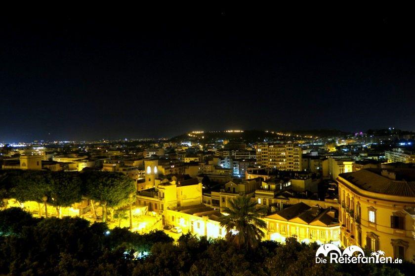 Nächtlicher Blick auf Cagliari