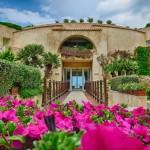 Der Eingangsbereich des L'Ea Bianca Luxury Resort