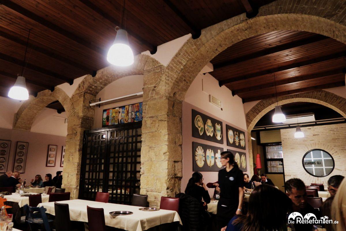 Der Innenraum im Lo Zodiaco in Cagliari