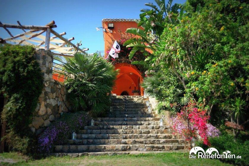 Eingangsbereich des Hotel Galanias auf Sardinien