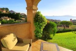 Morgendlicher Blick von der Terrasse im Villa del Golfo