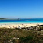 Blick auf den Traumstrand Spiaggia Della Pelosa auf Sardinien