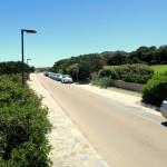 Parkplätze an der Spiaggia Della Pelosa auf Sardinien
