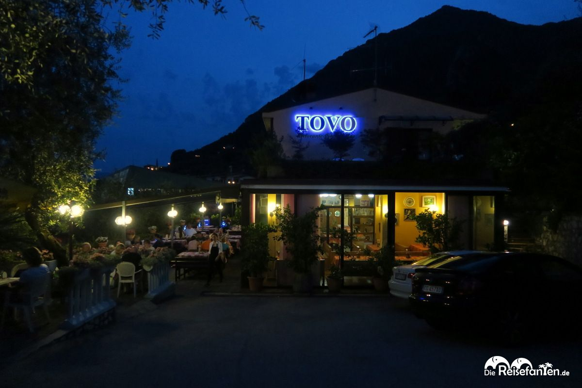 restaurant tovo in limone. Black Bedroom Furniture Sets. Home Design Ideas