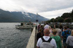 Am Anleger der Fähre von Limone sul Garda nach Malcesine