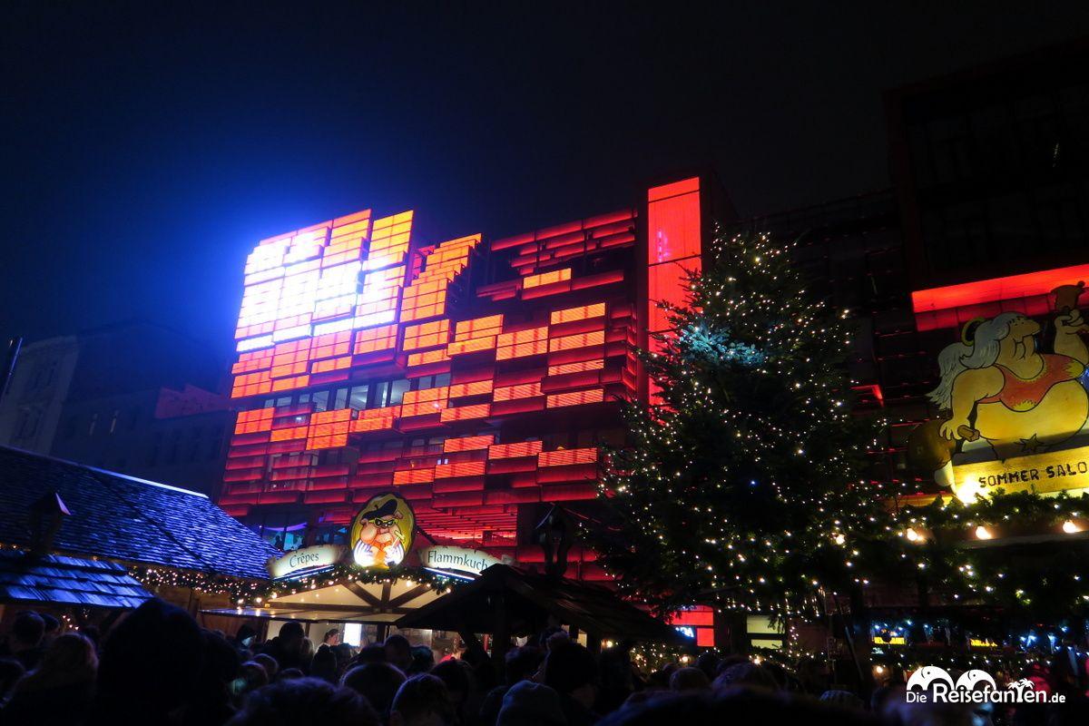 Auf dem Santa Pauli Weihnachtsmarkt in Hambur