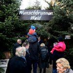 Der Eingang zum Wunschbrunnenwwald beim Weihnachtsmarkt in Hannover